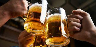 Bere in adolescenza aumenta il rischio per il fegato