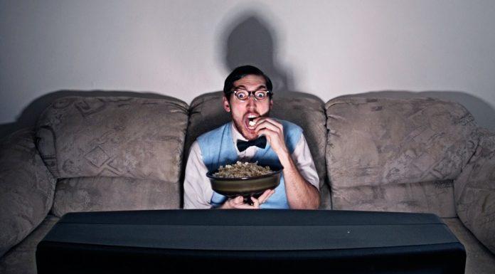 Troppa TV potrebbe aumentare le probabilità di un grumo di sangue