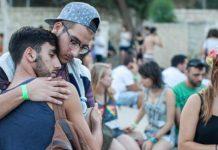 Un fattore chiave aumenta il rischio di suicidio degli adolescenti LGBT